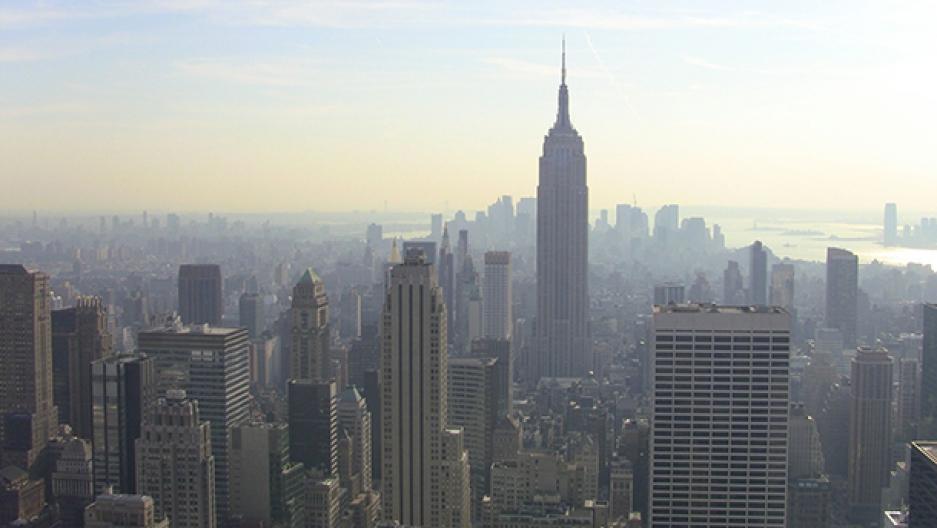 AIR-New_York_City_skyline,_end_of_day,_2011.jpg