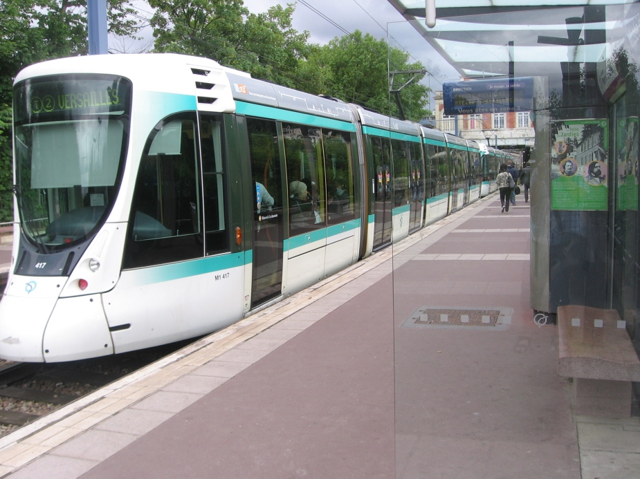 Paris_Tram_T2.JPG