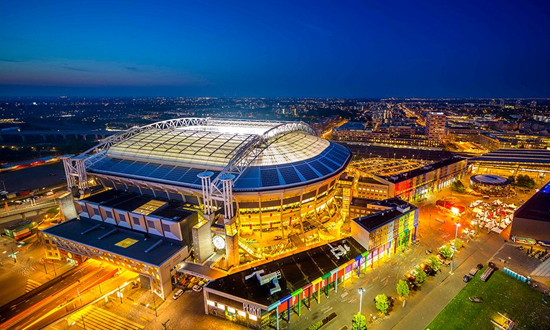 amsterdam-arena-night-2nd-use-battery-storage_the-mobility-house_1.jpg