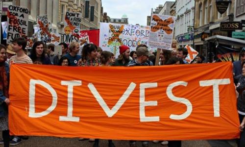 Oxford Fossil Free Future march