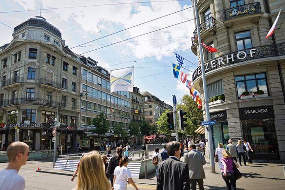 http---vizts.com-wp-content-uploads-2015-09-bahnhofstrasse-zurich.jpg