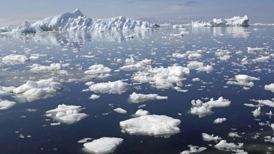 _62404275_icebergsarcticbbc.jpg