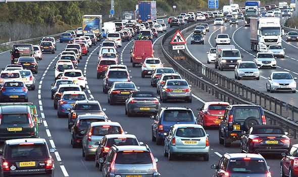 Motorway-roadworks-congestion-869977